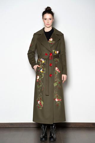 Длинный тренч из шерстяного сукна с ручной вышивкой.
