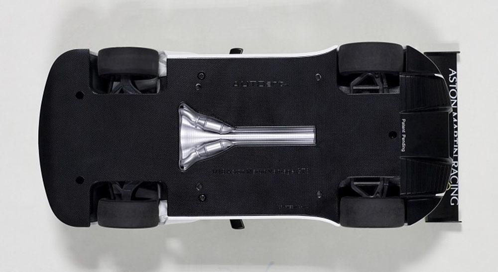 Коллекционная модель Aston Martin Vantage V12 GT3 Street Version 2013 White