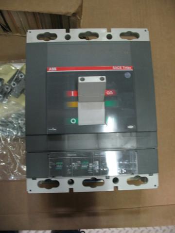 Автомат выходной 800A / BREAKER ASSEMBLY T6 800A 3P IEC АРТ: 10000-37988