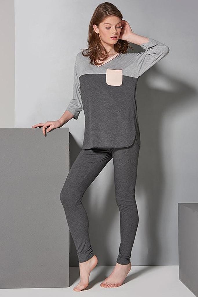 Серый комплект с нежно-розовой отделкой  Rebecca & Bros