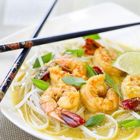 https://static-sl.insales.ru/images/products/1/4820/79680212/coconut_noodles_shrimps.jpg