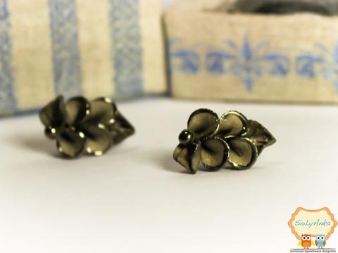 Порцелянові сережки Кали сріблясті