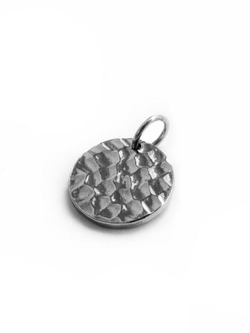 Cеребряный круглый медальон с битой поверхностью
