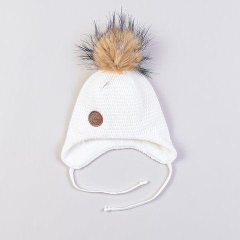 Шапка зимняя на завязках с меховым помпоном