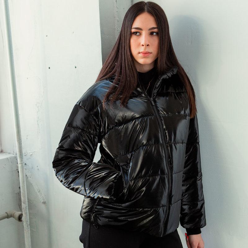 Демісезонна підліткова куртка для дівчинки в чорному кольорі