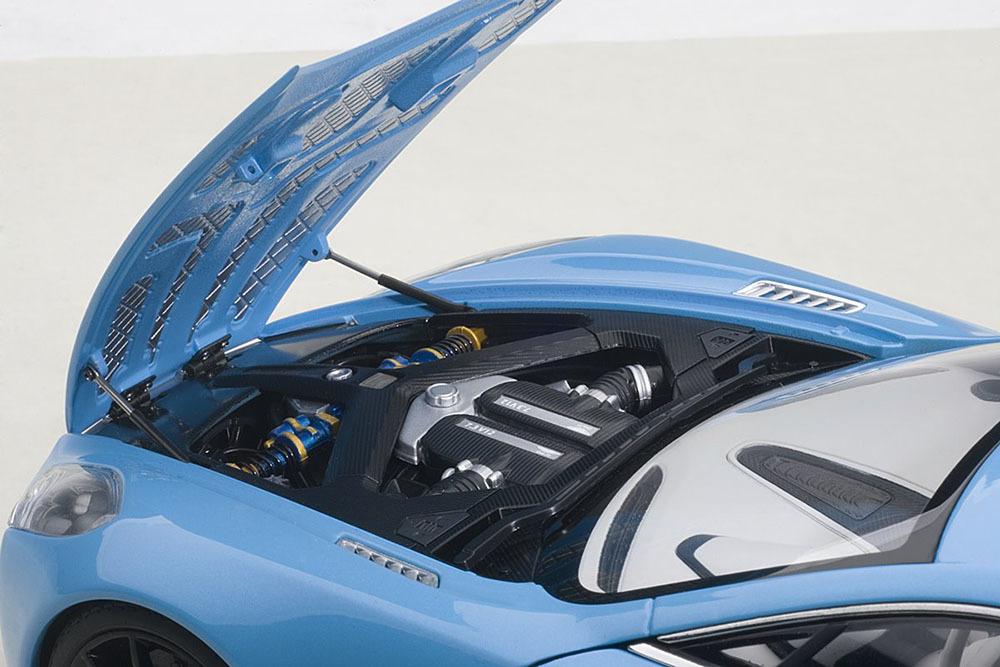 Коллекционная модель Aston Martin One-77 2009 Tiffany Blue