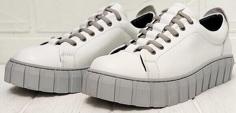 Стиль кэжуал кеды кроссовки белые женские кожаные. Сникерсы кроссовки на платформе Guero WG.