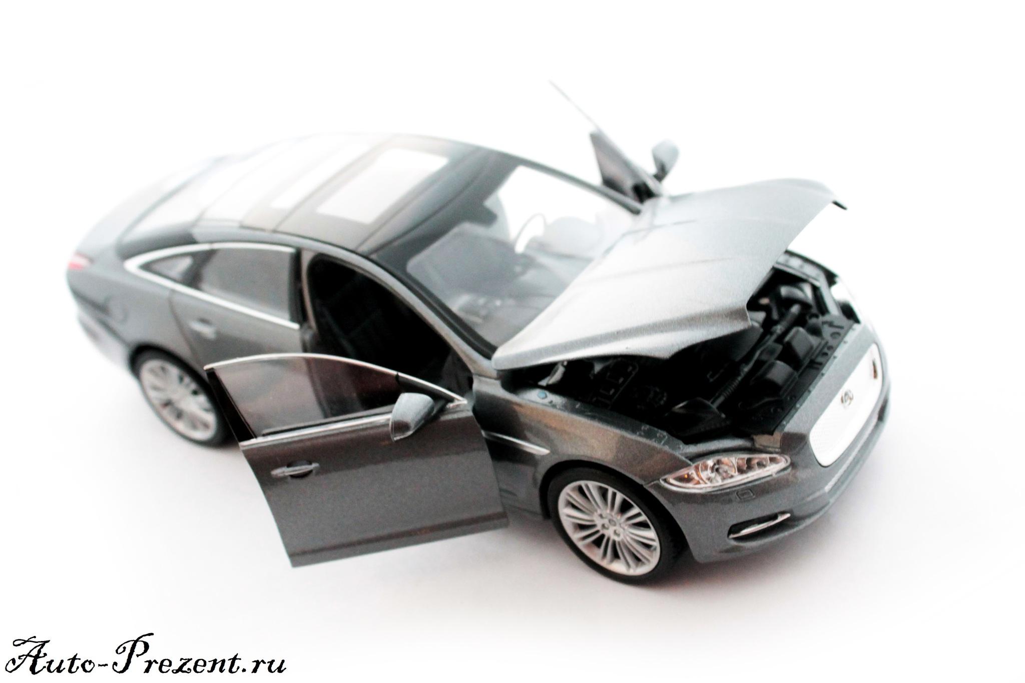 Машинка-игрушка JAGUAR XJ