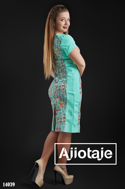 Платье цвета мята с цветочным узором