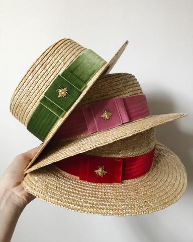 STRAW BOATER hat with velvet ribbon and honeybee