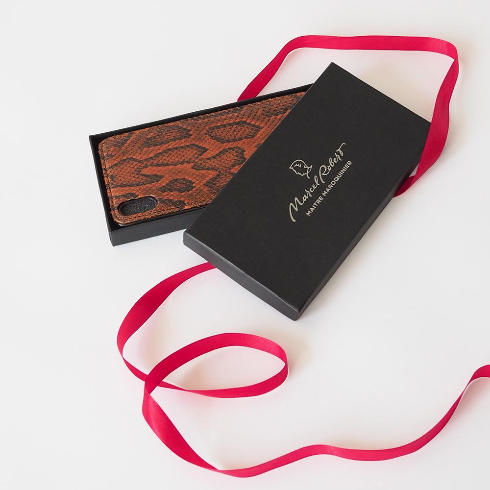 Чехол-накладка для iPhone X/XS из натуральной кожи питона, цвета коньяк