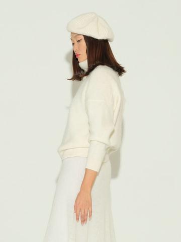 Женский свитер молочного цвета из мохера и кашемира - фото 4