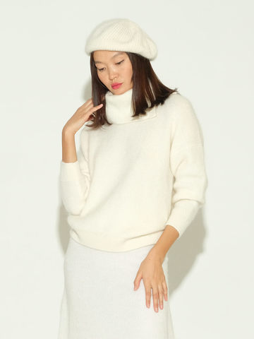 Женский свитер молочного цвета из мохера и кашемира - фото 2