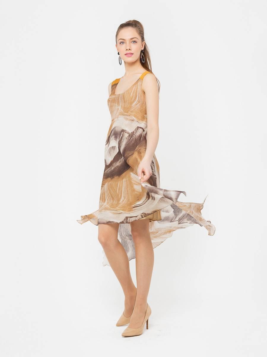 Платье З093-588 - Летнее, легкое платье с асимметричной линией низа и разрезами по бокам. В комплекте нижнее платье-чехол, кокетка на спинке из однотонной ткани. Хорошо смотрится как с обувью на каблуках, так и на плоской подошве.