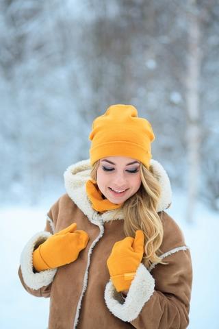 Снуд-горловинка желтый из турецкой шерсти