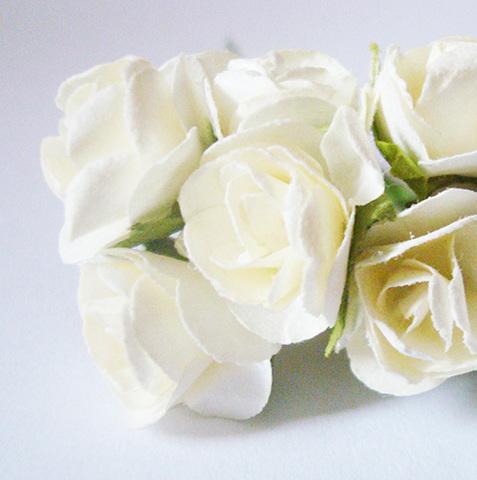 Роза бумажная, диаметр 15 мм, белый