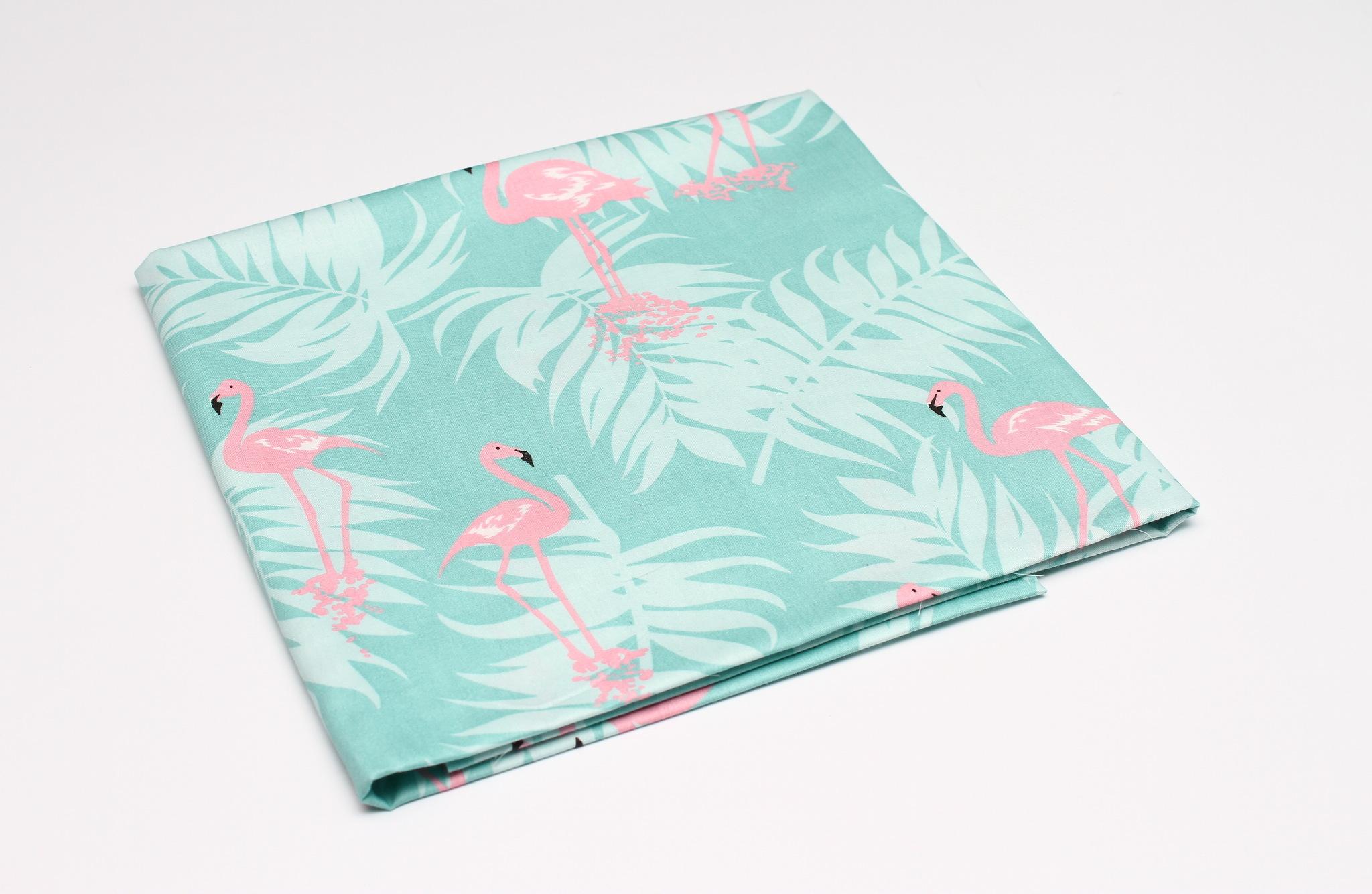 Фламинго на мятном