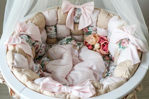 Комплект в круглую/овальную кроватку Карамель