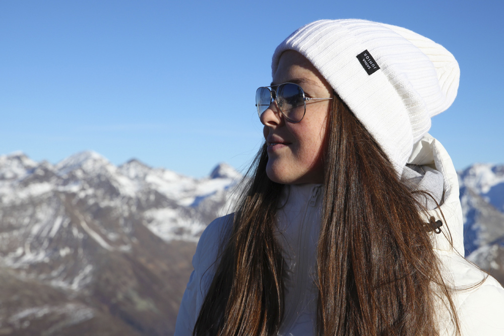 шапка вязаная цвет белый SASHA JUNIOR
