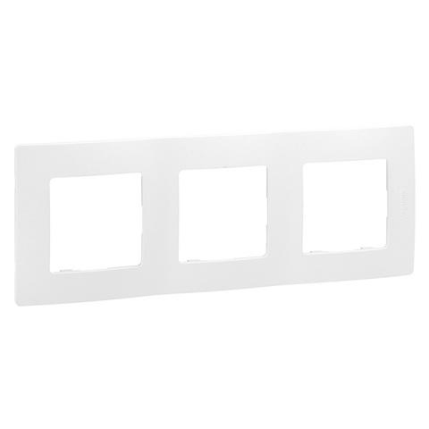 Рамка на 3 поста. Цвет Белый. Legrand Etika (Легранд Этика). 672503