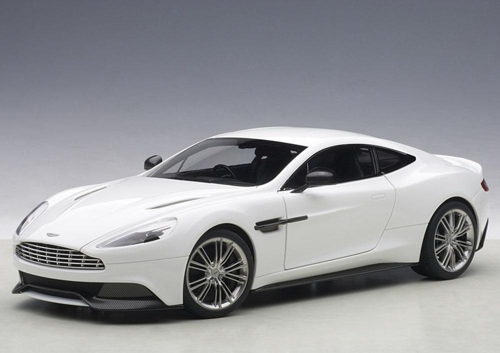 Коллекционная модель Aston Martin Vanquish 2015 White