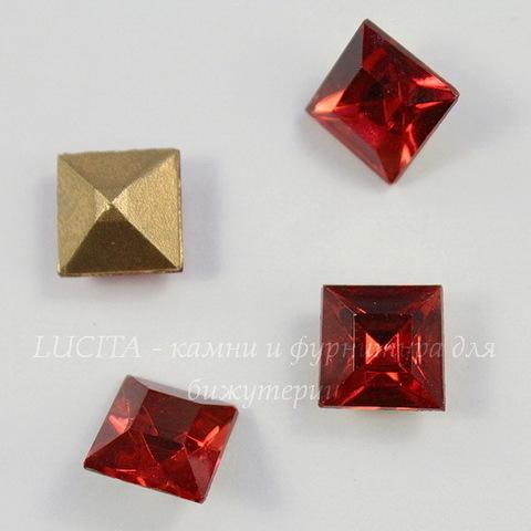 Ювелирные стразы Preciosa квадратные Rose (10х10 мм)