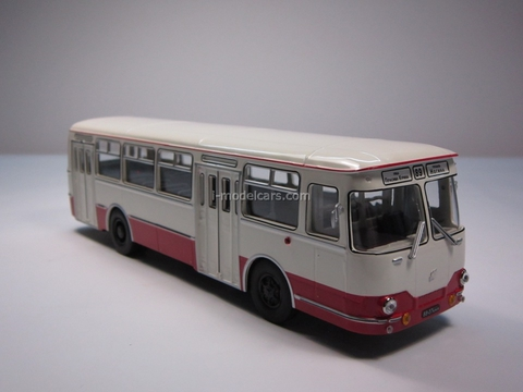LIAZ-677 beige-red Classicbus 1:43