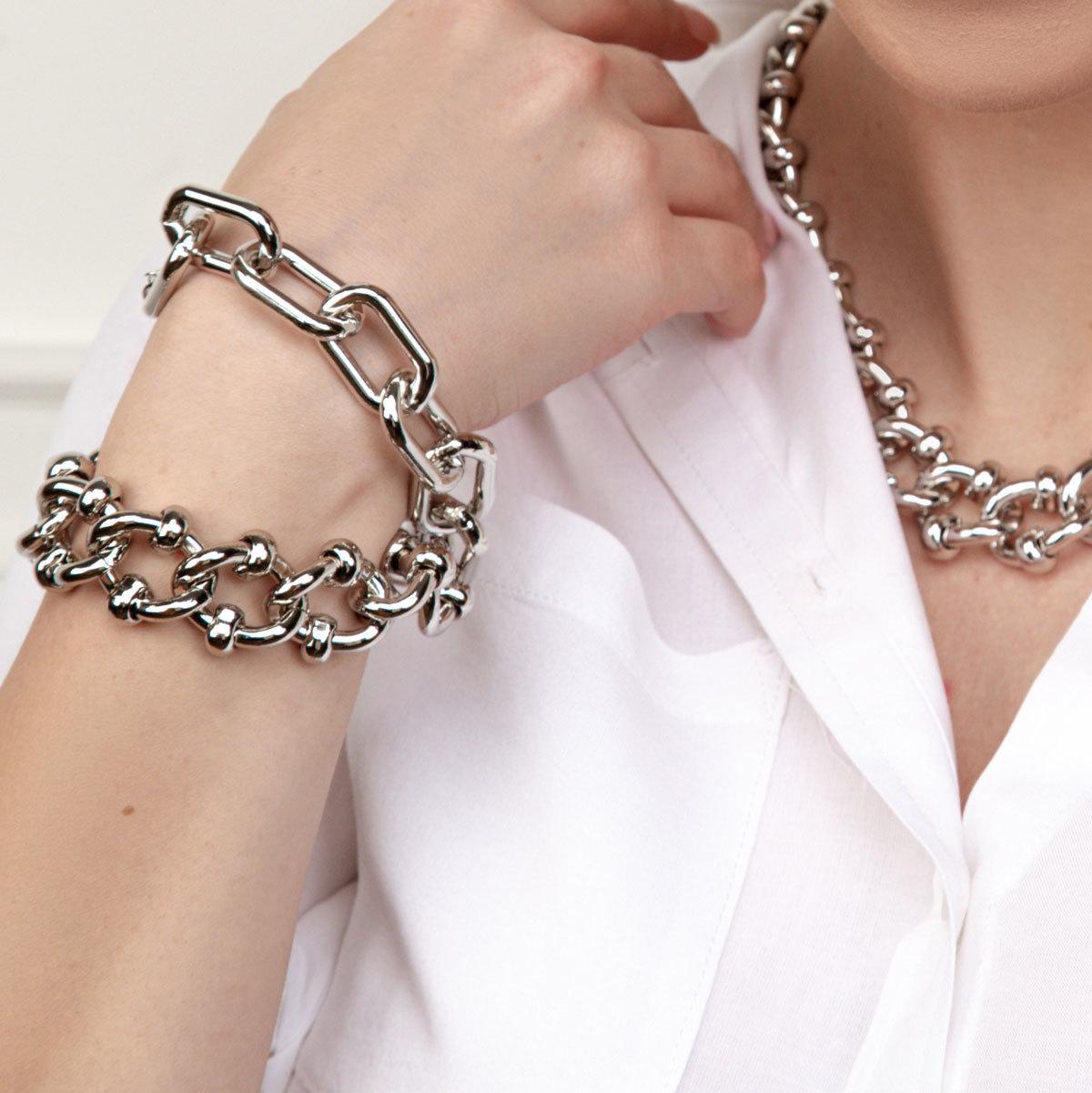 Браслет-цепь с декорированными звеньями серебряный