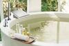 Встраиваемый термостатический смеситель на борт ванны с изливом и душевым комплектом AROLA 263304TM - фото №3