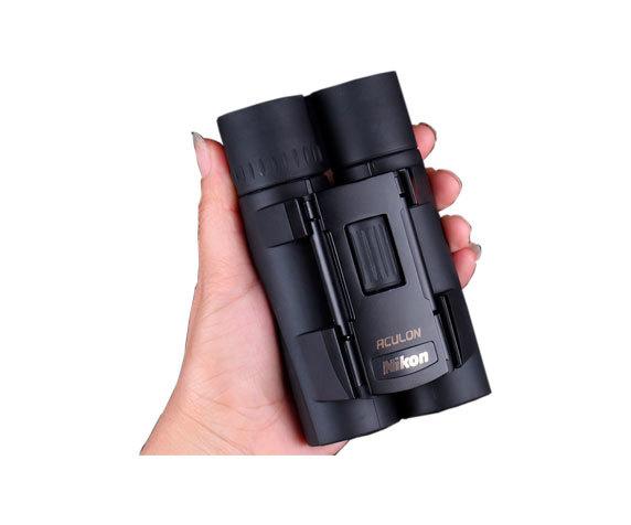 Nikon A30 в руке