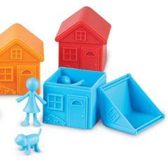 Игровой набор Моя семья, с домиками (52 элемента) Learning Resources, арт. LER3369