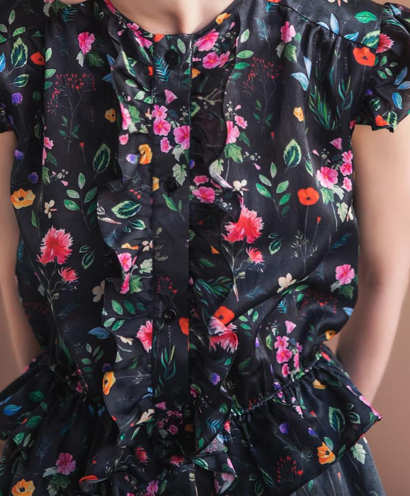 Черное платье в цветок из шелка