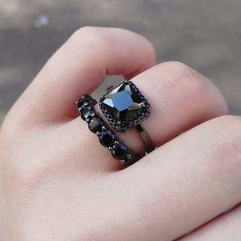 Сет из двух колец дорожка+каратник из серебра в черном родаже с черными цирконами