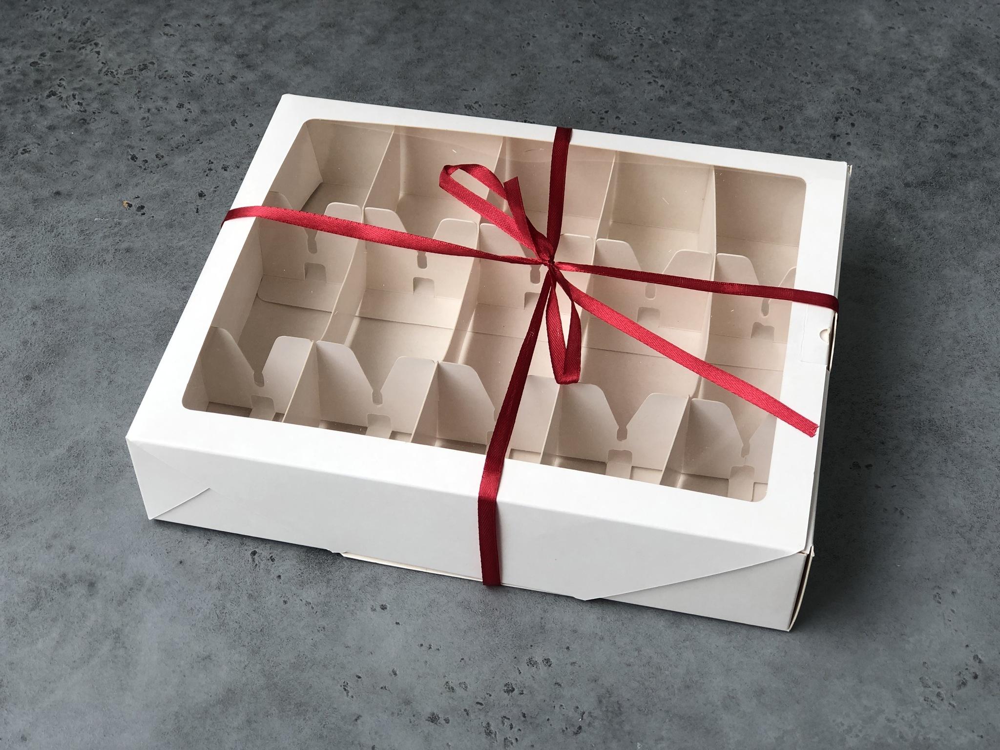 Коробка БЕЛАЯ с окном для 10 кейк-попсов, 25х20х5 см