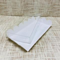 Коробка 20х10х3 см, картон, с прозрачной крышкой и ажурным краем,