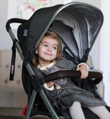 Детская коляска Oyster Zero с накидкой