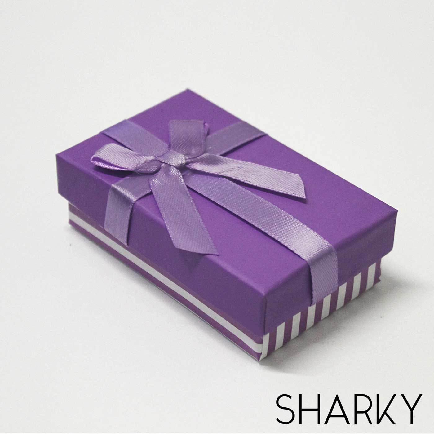 Подарочная фиолетовая коробочка с яркими полосками / Подарочная упаковка Отрадное