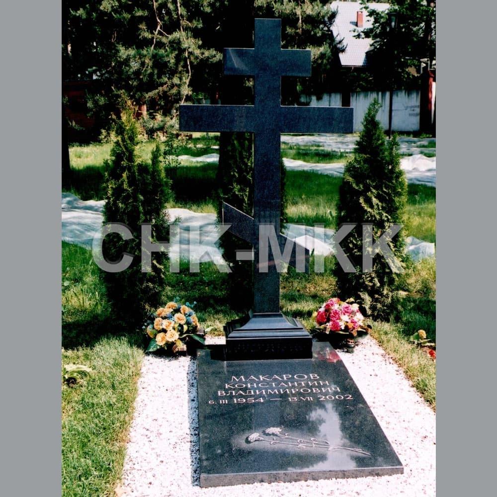 Гранитный крест №2