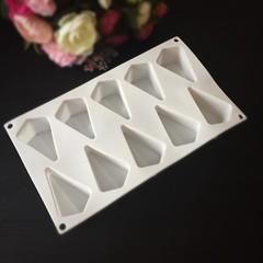 Силиконовая форма для выпечки Треугольник для пирожных 10в1