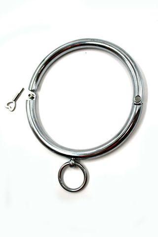 Металлический ошейник с кольцом для фиксации