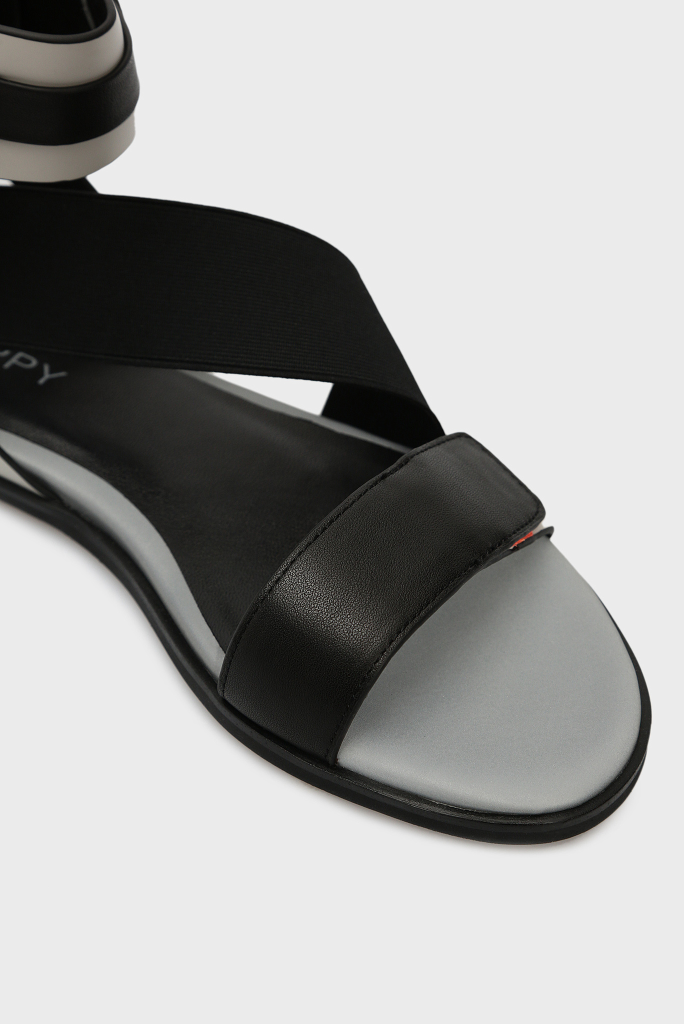 Женские серые кожаные сандалии Preppy