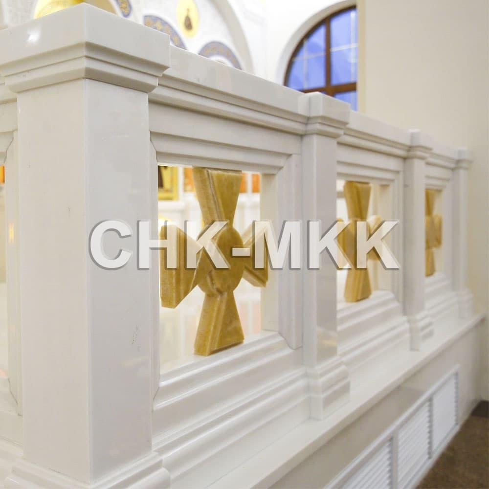 Мраморный резной иконостас в Соборе Святого Равноапостольного Князя Владимира в Ставрополе (фото 3)