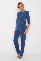 <p><span>Классический костюм - неотъемлемая часть женского гардероба. Модный фасон позволяет чувствовать себя свободно и при этом выглядеть нарядно и стильно. Жакет свободного кроя с декоративной отделкой, брюки очень удобные на резинке.</span></p>