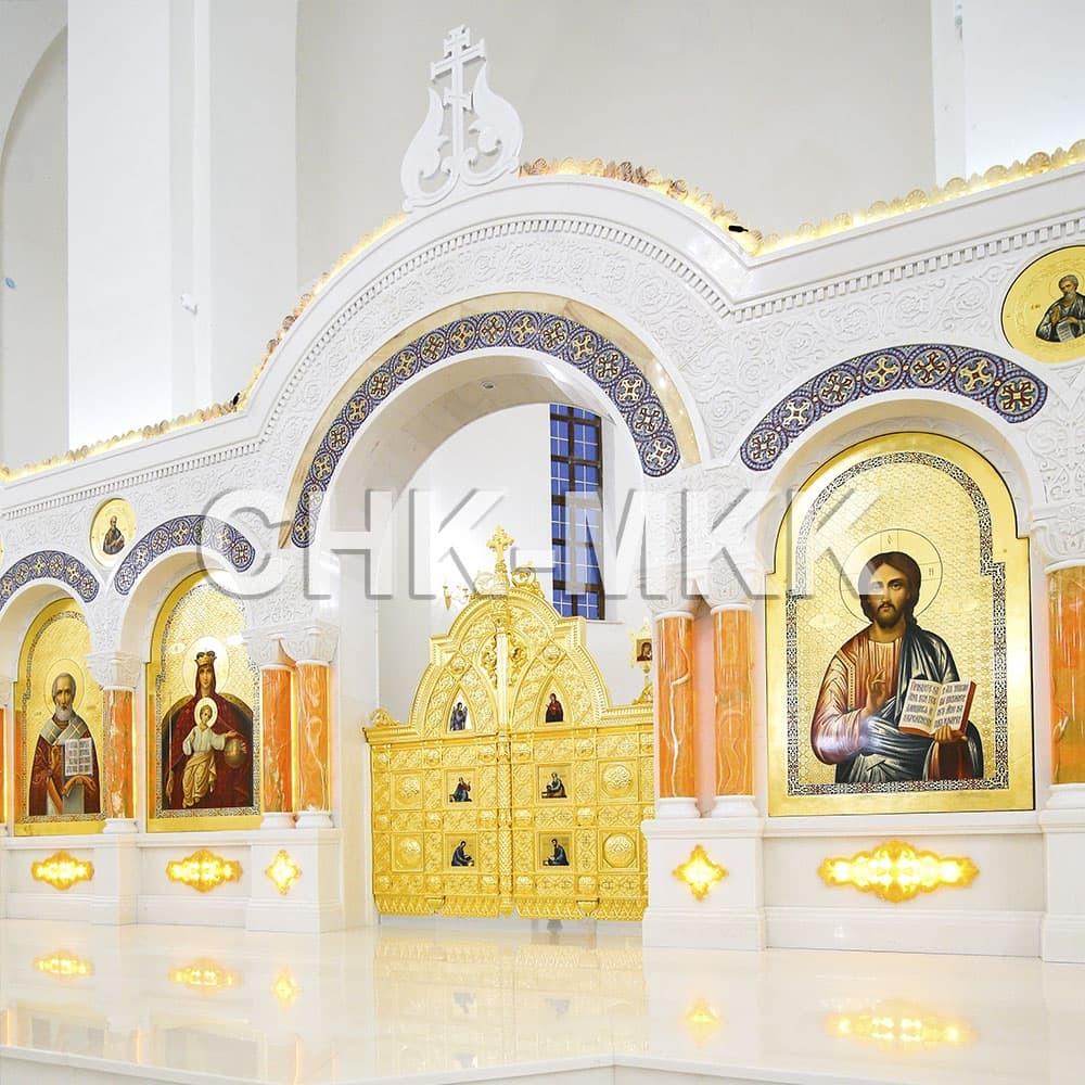 Мраморный резной иконостас в Соборе Святого Равноапостольного Князя Владимира в Ставрополе (фото 2)