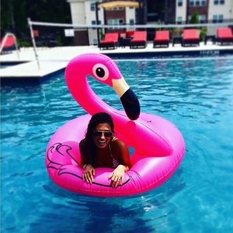Надувной круг розовый фламинго 120 см