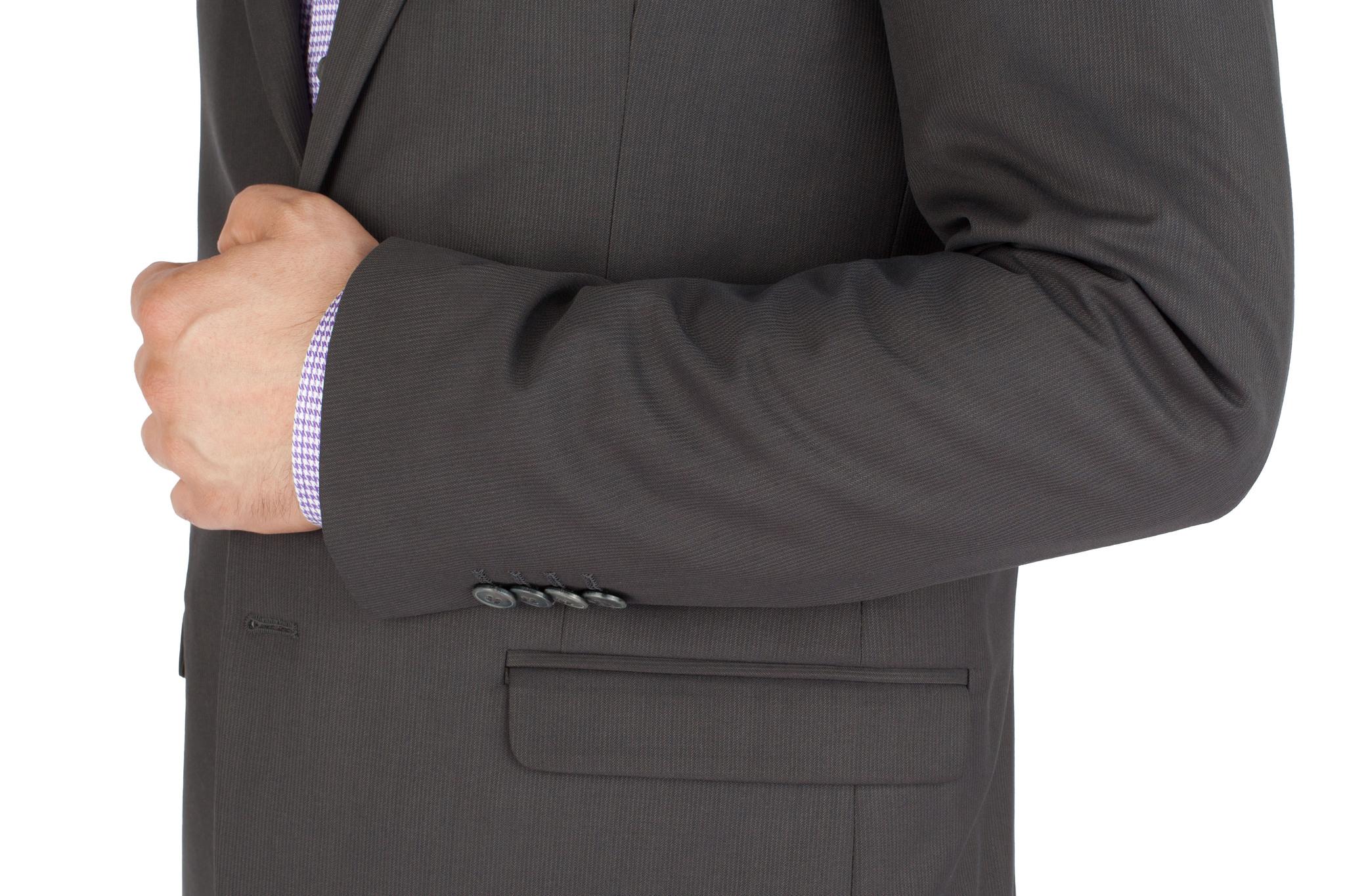 Тёмно-серый шерстяной костюм в еле заметную полоску