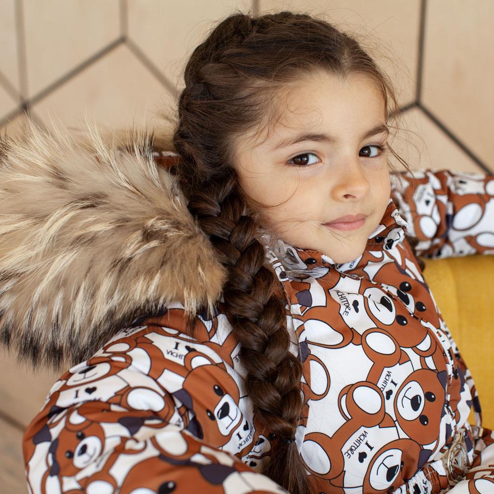 Дитячий зимовий комбінезон з принтом «Ведмедики» і опушкою з натурального хутра коричневого кольору
