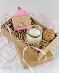 Набор ароматическая свеча Amore и мыло «Панна-котта и кумкват», Россия