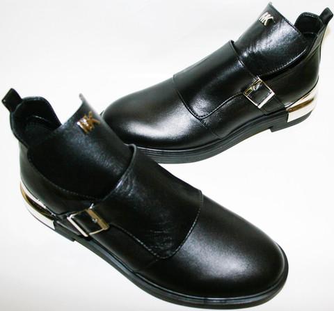 Женские туфли на низком ходу. Черные туфли кожаные Jina Black.
