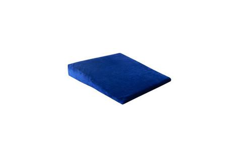 Подушка скошенная под голову с эффектом памяти